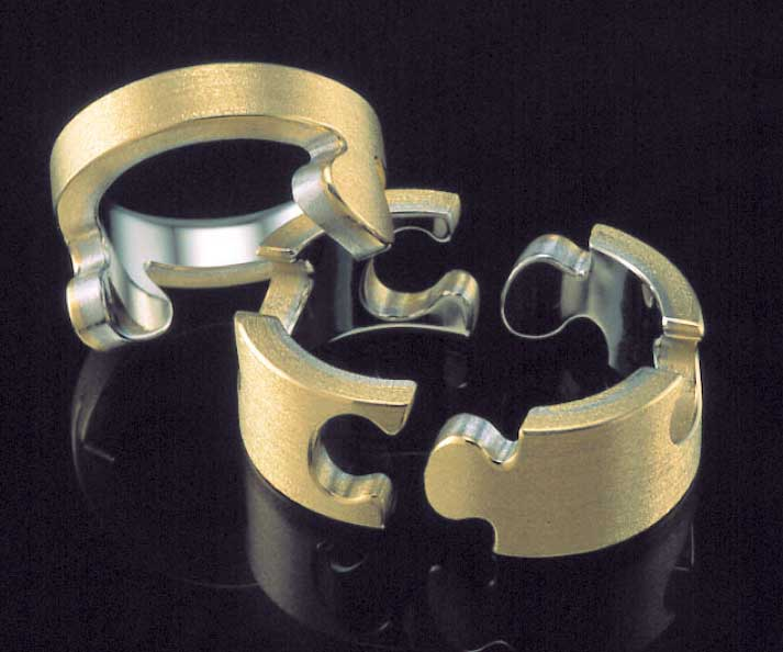 Submission by Christof Krahenmann for the 1999 puzzle American Jewelry Design Council Project