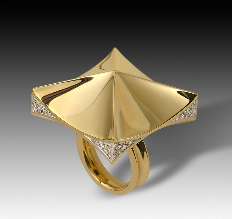 Submission by Diana Vincent for the 2005 pyramid American Jewelry Design Council Project