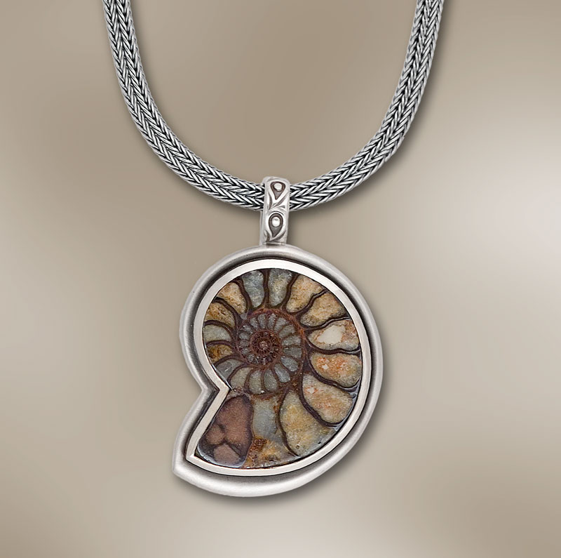 Submission by Jane Bohan for the 2007 spiral American Jewelry Design Council Project